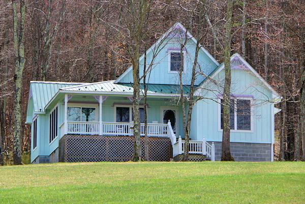 Gingerbread 2 Br Cabin Rental New River Gorge West Virginia